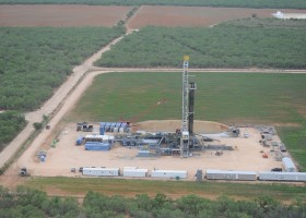 carrizo oil  vente  actifs  gisement  barnett shale  east texas  eagle ford  braderie  concentration  opérations  terres